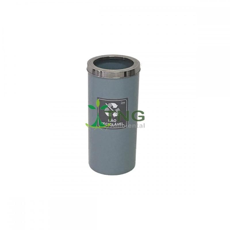 Lixeira 50 litros em plástico com aro em aço inox