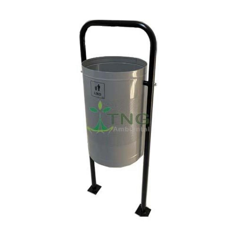 Lixeira 60 litros em aço galvanizado para áreas públicas
