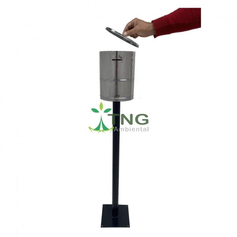 Bituqueira em aço inox fixada em poste