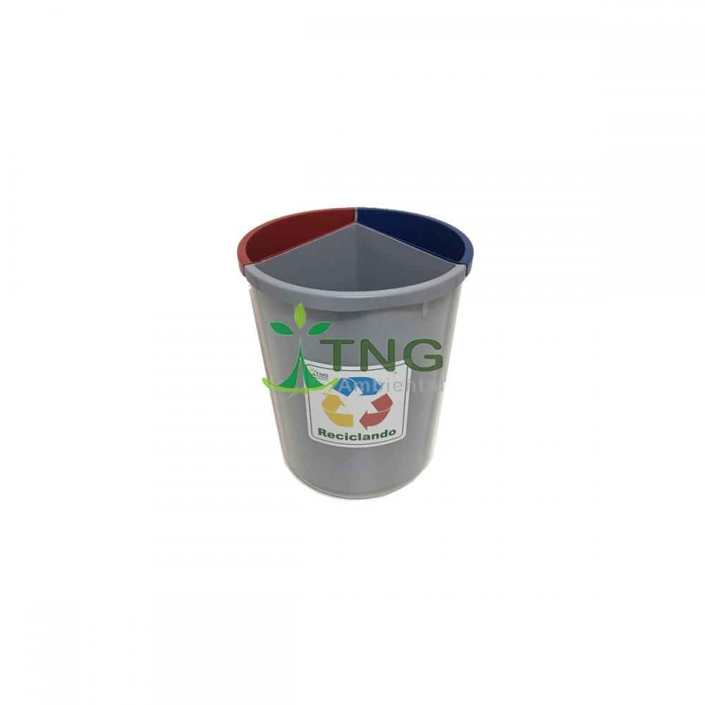 Lixeira 30 litros em plástico com três divisórias